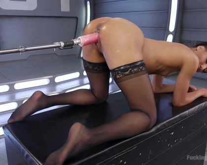 FuckingMachines - Nikki Darling