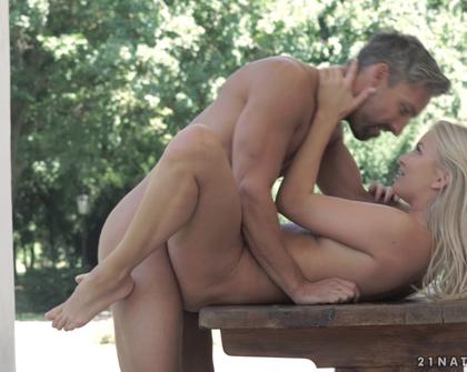 21Naturals - Cayla Lyons Outdoor Pleasures