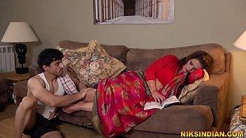 गर्भवती भाभी ने पति को धोखा देके ...