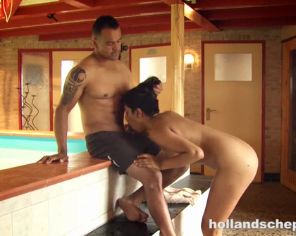 HollandschePassie E14 Talitha Verleidt Damian Bij Het Zwembad DUTCH