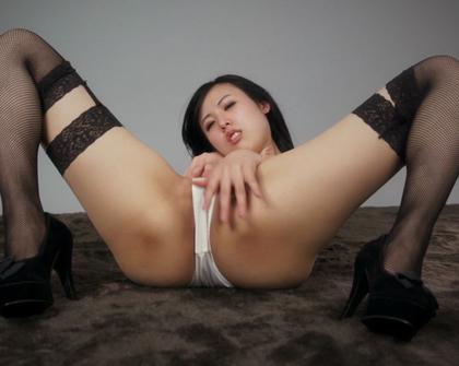LegsJapan - Natsuki Yokoyama 1 Black Garter Band Stockings