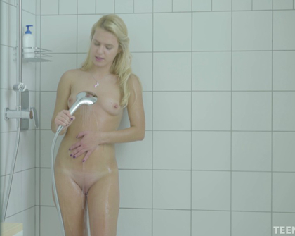 Teengirls - Taylor - Gorgeous Blonde Taylor Takes Private Sensual Shower UHD