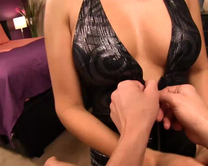Taboo Handjobs - Step-mom shows off her body before her date