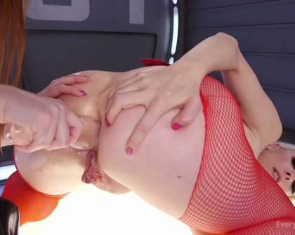EverythingButt - Lauren Phillips And Lorelei Lee