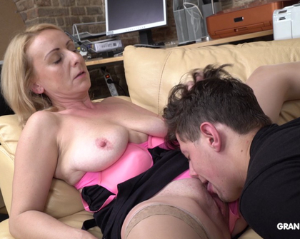 GrandMams - Linda Eating Cum From Napping 19 Year Old