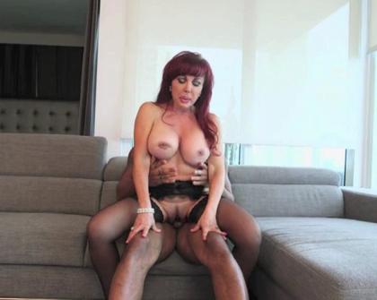 Hustler - Sexy Vanessa