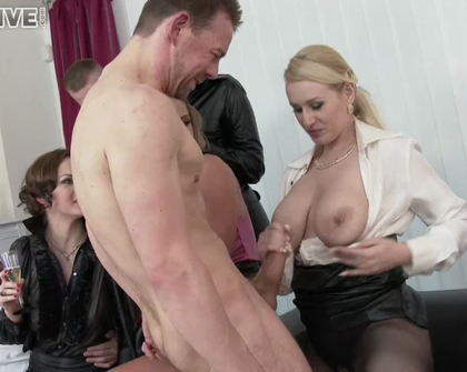BigTitsOnScreen - Angel Wicky