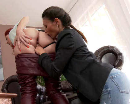FullyClothedPissing - Kate Gold And Keira
