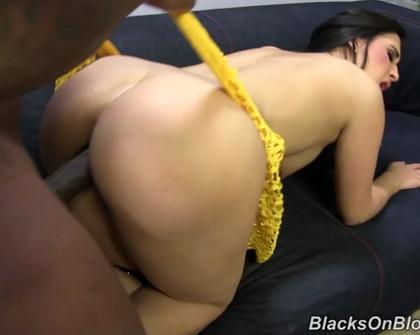 BlacksOnBlondes - Valerie Kay