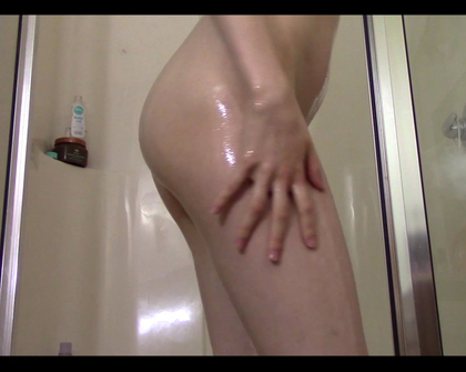 Manyvids - Lyra Fae - Baby Oil And Soapy Shower