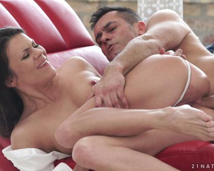21Naturals - Anal Turns Her On s01  Renato  Verona Sky