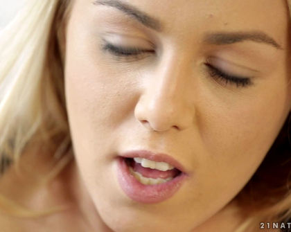 21Naturals - Feetto Worship s01  Christen Courtney