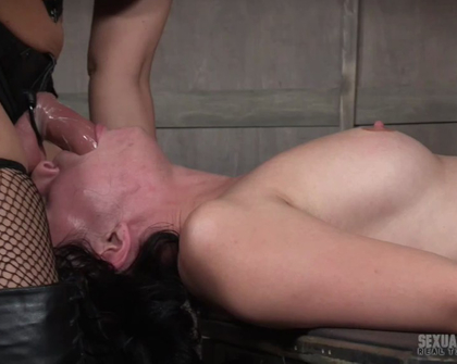 SexuallyBroken - Olive Glass And Syren De Mer