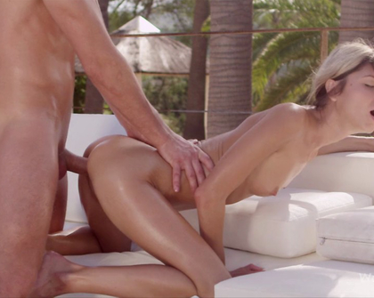WowPorn - Gina Gerson  Taking A Closer Look