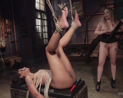 Skin Diamond - Aiden Starr Maitresse Madeline Marlowe - Lesbian Abyss Skin Diamond submits to Her Devious Lesbian Desires