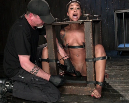 Skin Diamond - Penthouse Pet Skin Diamond Squirting in Brutal Bondage and Punished!!