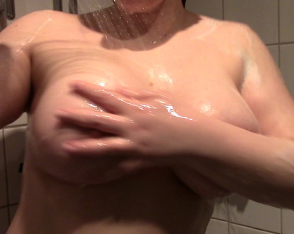 VickiValkyrie In the Shower