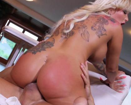 XTime - Jarushka Ross E Il Massaggio Hot
