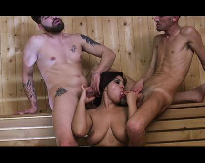 XTime - Valeria Borghese Alla Spa Con Mia Moglie