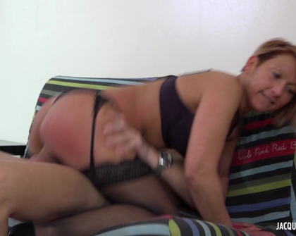 JacquieEtMichelTV - Laura Des Achats