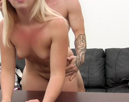 BackRoomCastingCouch - Justine