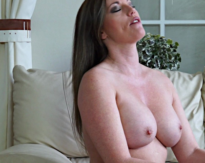 AllOver30 - Holly Kiss