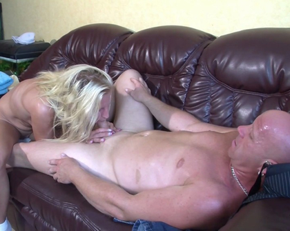 MMVFilms - Amateur - Real-Life Cum-Tastic Housewife