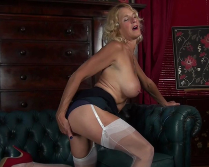 Anilos - Molly Maracas Mature Pleasure