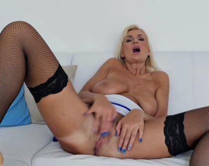 Anilos - Roxana Hanova Blonde Bombshell