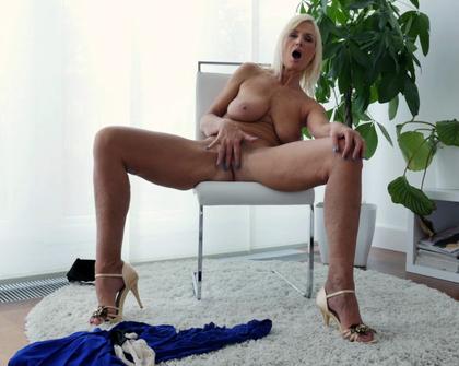 Anilos - Roxana Hanova Temptress