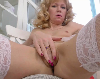 Anilos - Squirrel Sexy Gilf