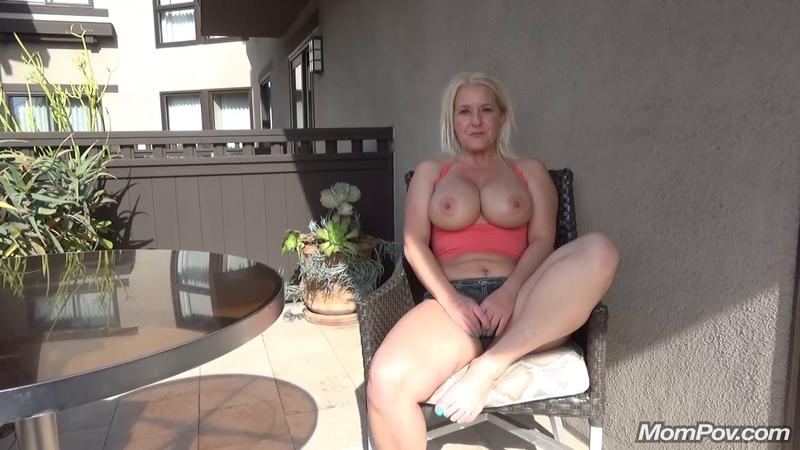 Female Director Behind Scenes